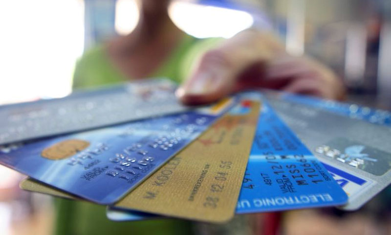 Store Credit Cards: The Pros And Cons
