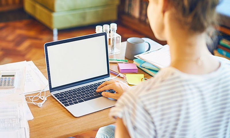 4 Reasons Why Working From Home Is A Growing Trend